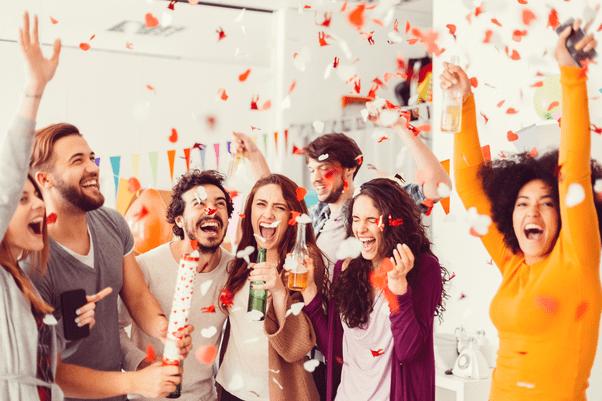 En commun 5 Fun Adelaide Corporate Team Building Ideas | The Function | Glenelg @PK_47